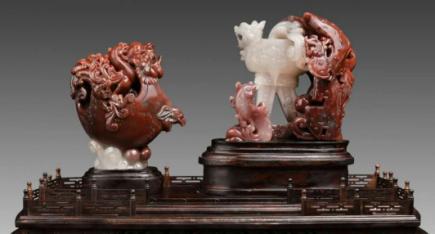 桂林市工艺美术大师林粦忠鸡血玉作品:龙凤吉祥杯