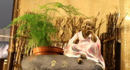 深圳茶艺室内陶瓷工艺美术品亮相邕城
