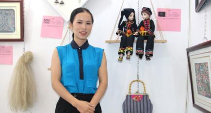 广西民间工艺师黄彩菊:花样年华 花样成就