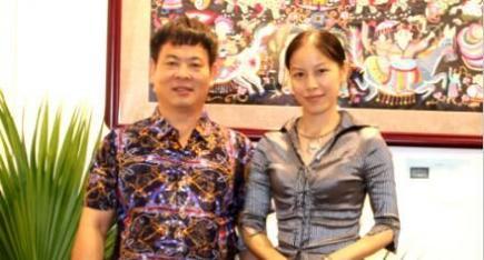 广西工艺美术大师朱桂丽:南丹壮族服饰围裙 爱心在怀中
